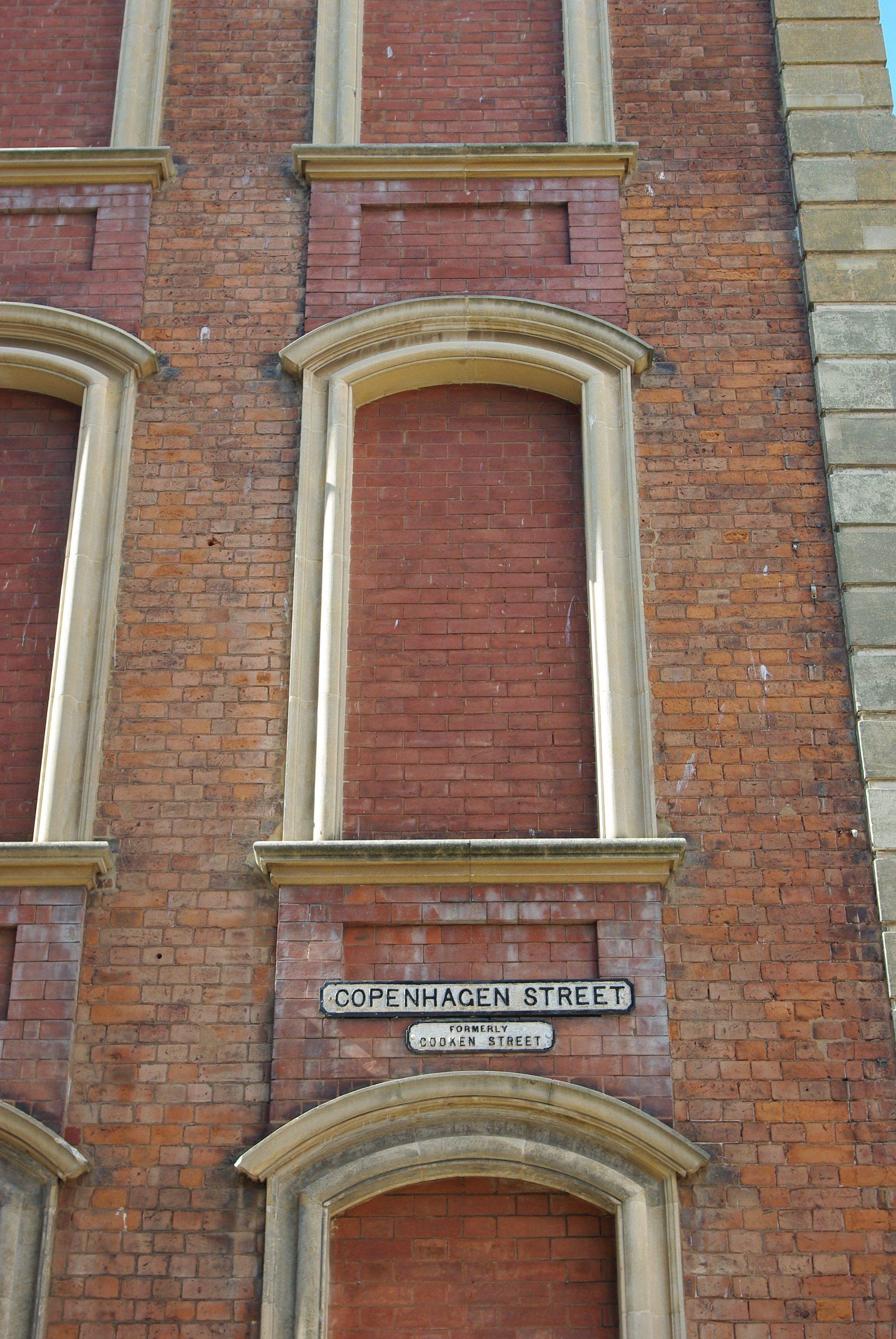 Tiles 4_5 4_6 4_7 Worcester city centre hidden history